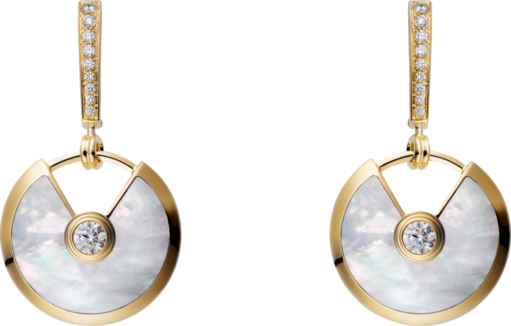 Amulette de Cartier earrings, small modelYellow gold, white mother-of-pearl, diamonds